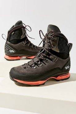 Alverstone II Lady GTX Boot - Black 7 at Urban Outfitters