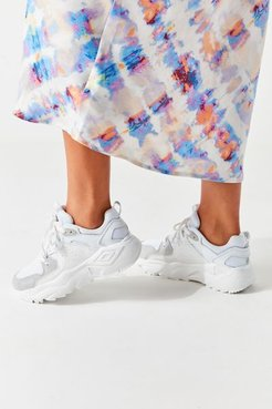 Runner Women's Sneaker - White 6 at Urban Outfitters