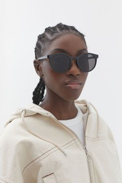 Olema Plastic Round Sunglasses - Black at Urban Outfitters