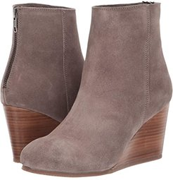 Now Wow (Taupe) Women's Shoes