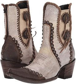 Stockyards (Crackled White) Cowboy Boots