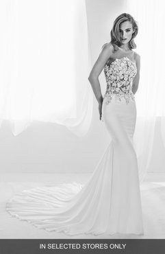 Ralisa Embellished Mermaid Gown