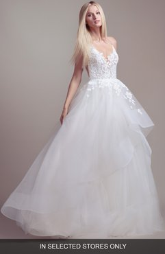 Clover Lace & Tulle Wedding Dress