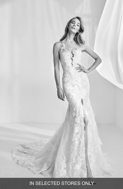Ranisa Embroidered Lace Mermaid Gown, Size - Ivory