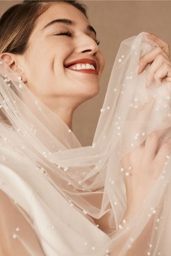 Roesia Pearl Veil In Ivory - Size: One Size - at BHLDN