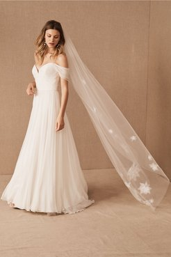 A. B. Lis Veil In Ivory - Size: One Size - at BHLDN