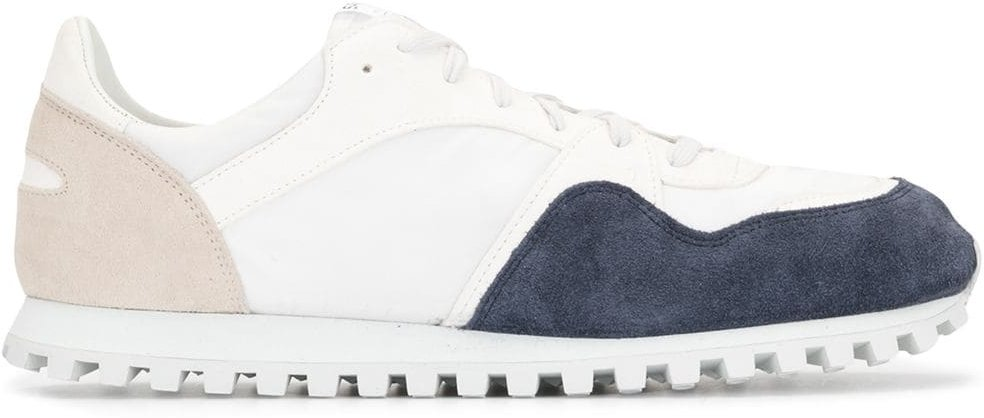 low top contrasting toe sneakers - White