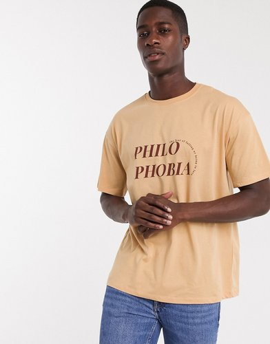 t-shirt with print in orange