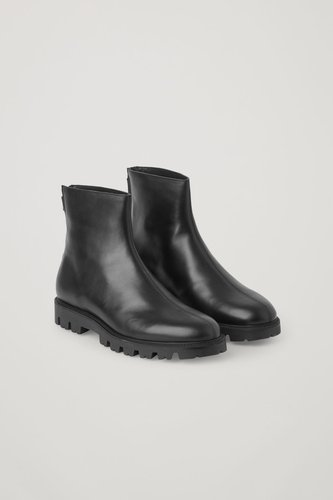 CHUNKY ZIPPED LEATHER BOOTS