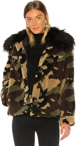 Faux Silver Fox Detachable Collar Camo Teddy Jacket in Green. - size XS (also in S)