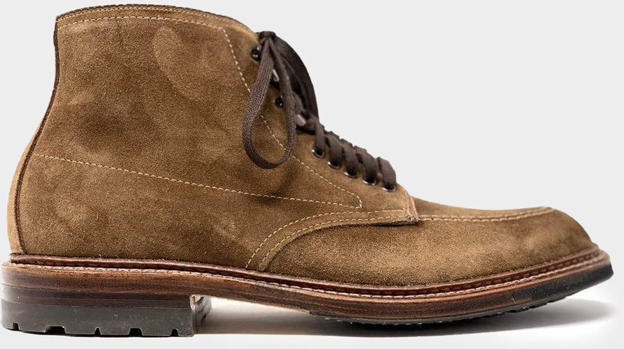 Indy Boot in Snuff Suede